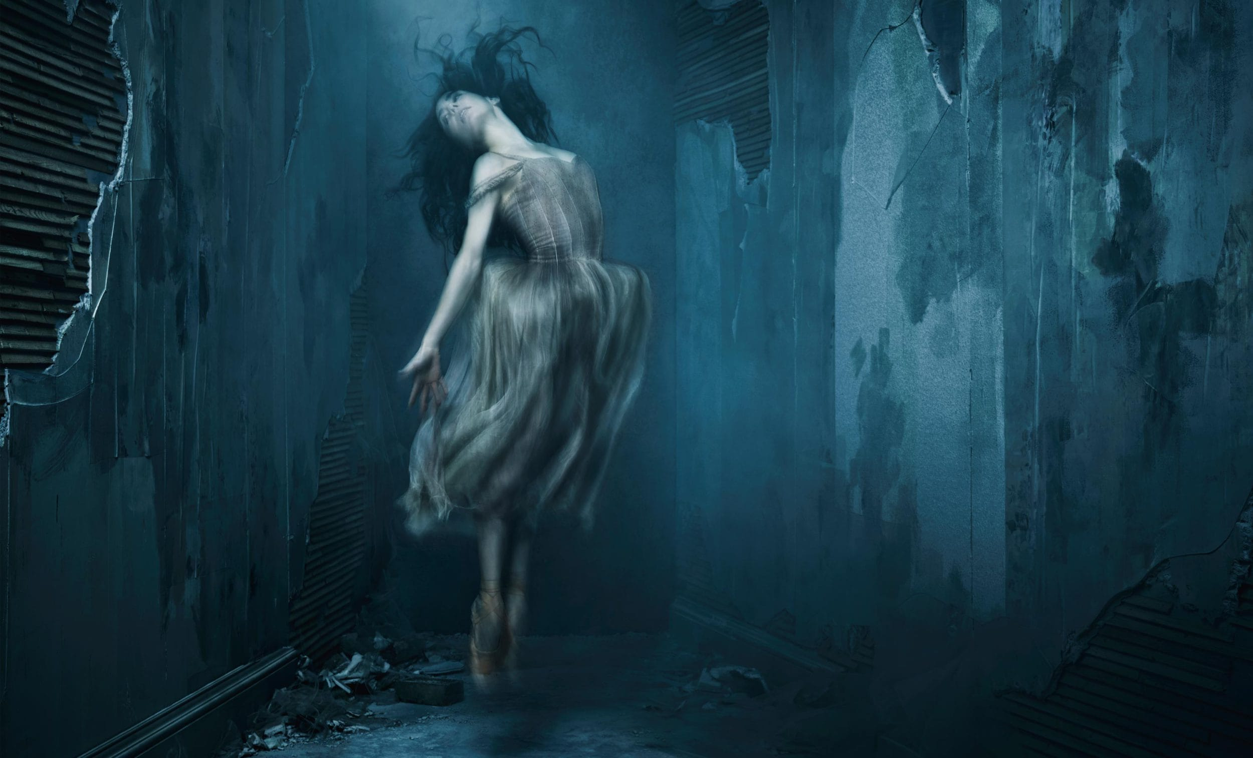 English-National-Ballet-Giselle-by-Akram-Khan-Tamara-Rojo-c-Jason-Bell-Akram-Khans-Giselle--Jason-Bell-Art-Direction-and-Design-by-Charlotte-Wilkinson-Studio-2500x1514